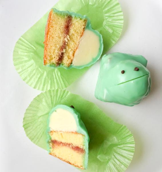Does Fondant Harden On A Cake