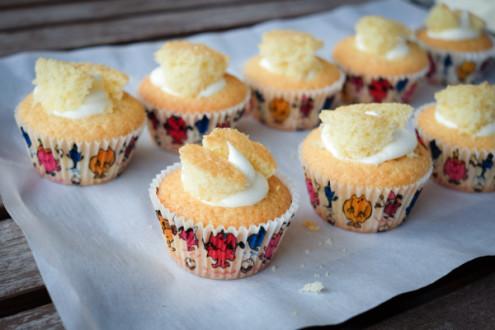 Vanilla butterfly cupcakes on eatlivetravelwrite.com