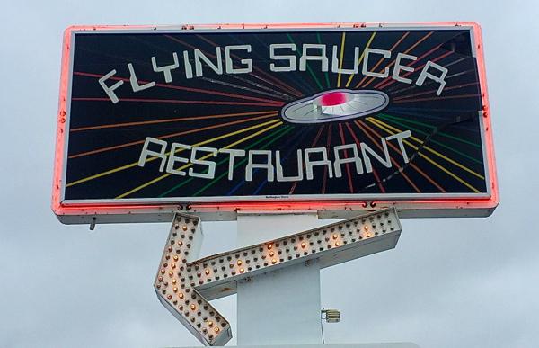 FLYING SAUCER RESTAURANT ON EATLIVETRAVELWRITE.COM
