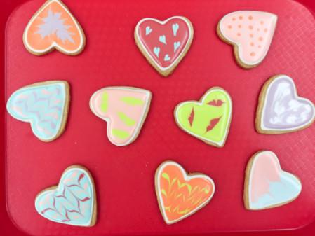Cookies decorated by Adell Shneer on eatlivetravelwrite.com