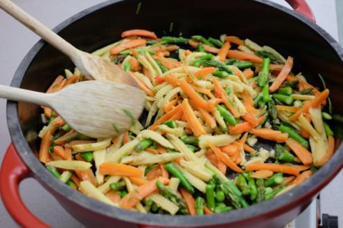 Stir fried vegetables on eatlivetravelwrite.com