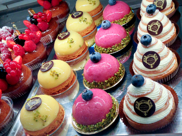 Cakes in Paris on eatlivetravelwrite.com