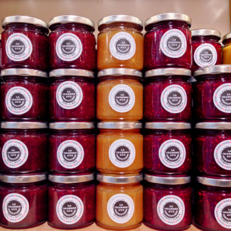 Chambre aux Confitures on eatlivetravelwrite.com