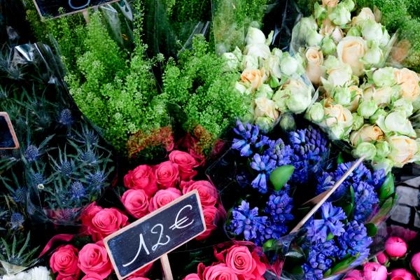 Flowers in Paris on eatlivetravelwrite.com