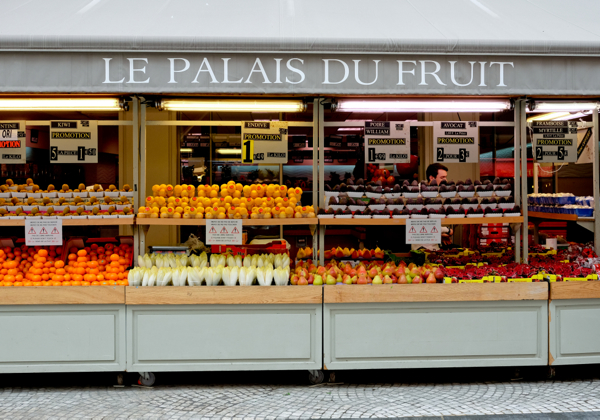 Le Palais du Fruit on the rue Montorgueil on eatlivetravelwrite.com