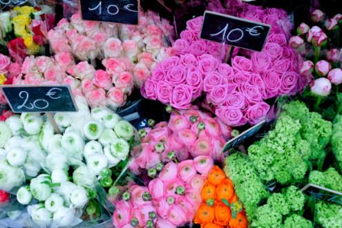 Flowers on the rue Montorgueil on eatlivetravelwrite.com