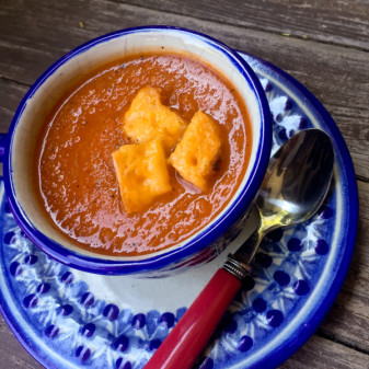 Muir Glen fire roasted tomato soup and cheesy croutons eatlivetravelwrite.com