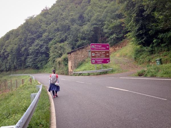 Proper road signage on eatlivetravelwrite.com