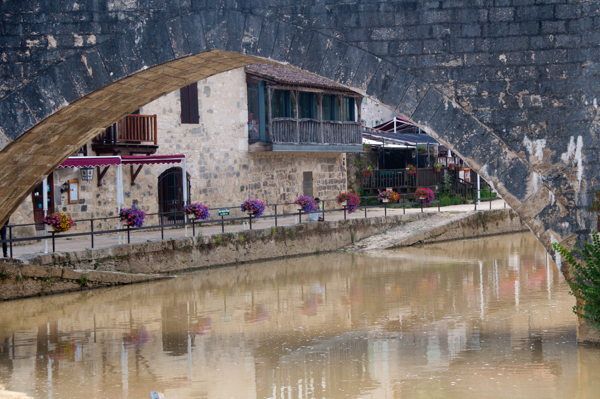 Looking at the Baise river in Nerac on eatlivetravelwrite.com