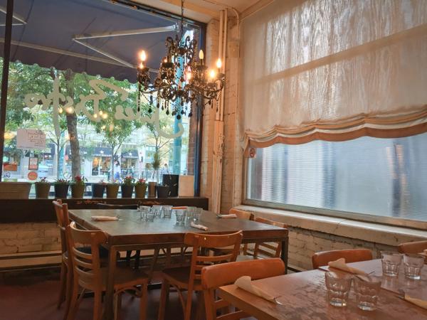 Bistro Jules interior on eatlivetravelwrite.com