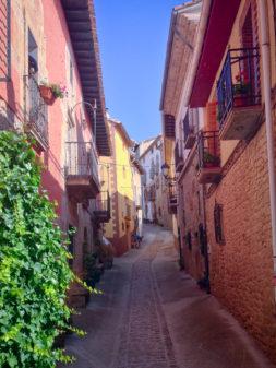 Pretty Cirqaui walking the Camino de Santiago on eatlivetravelwrite.com