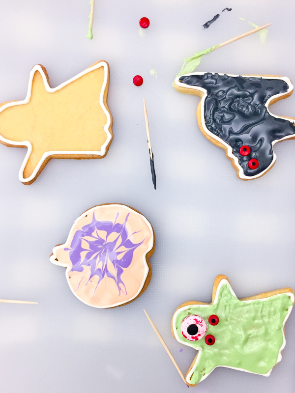 Cookies for Halloween on eatlivetravelwrite.com