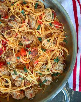 One pot spaghetti and meatballs on ealivetravelwrite.com