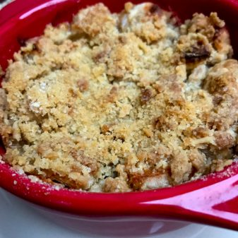 Abby Dodge classic apple crisp on eatlivetravelwrite.com