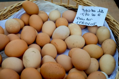 Plein air eggs at the market in Lyon image on eatlivetravelwrite.com