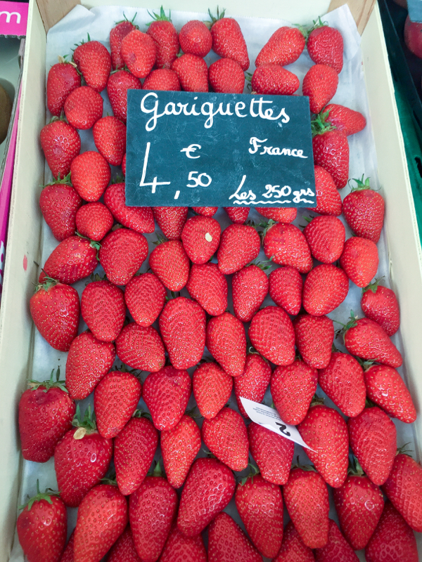Gariguettes at the market in Lyon image on eatlivetravelwrite.com