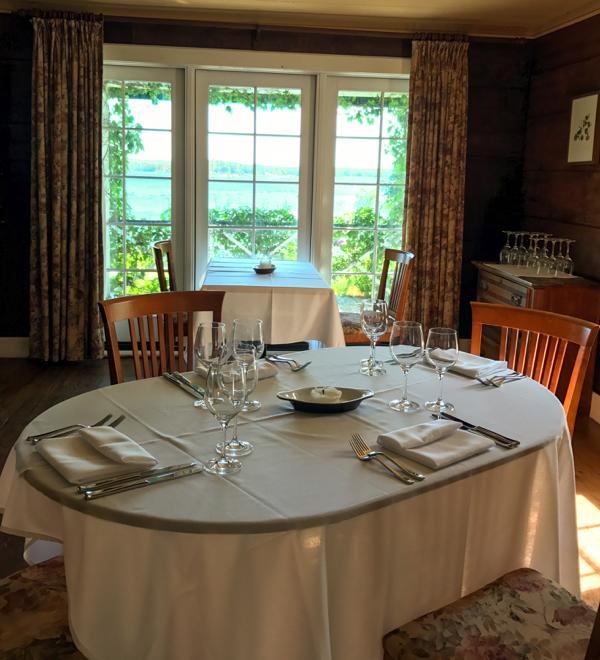 Table set at Mt Julian at Viamede Resort on eatlivetravelwrite.com