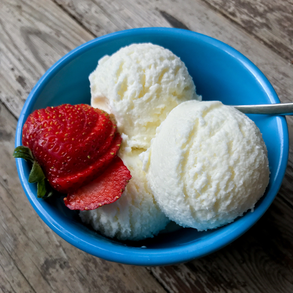 David Lebovitz buttermilk ice cream without an ice cream maker on eatlivetravelwrite.com