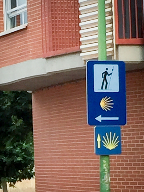 Confusing signs on the Camino de Santiago from Navarrete to Najera on eatlivetravelwrite.com