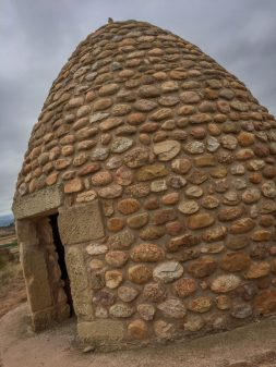 Beehive hut on the Camino de Santiago from Navarrete to Najera on eatlivetravelwrite.com