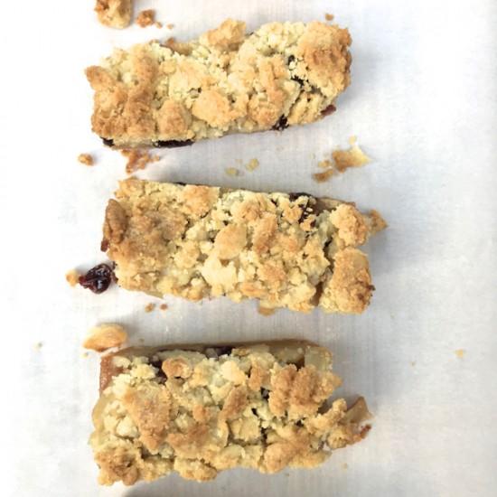 Crumb-Topped Apple Bars from Baking Chez Moi on eatlivetravelwrite.com