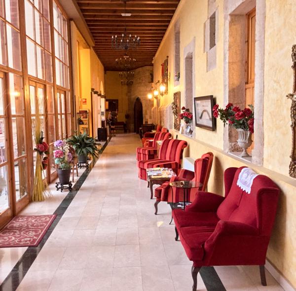 Lobby in Hotel San Anton Abad in Villafranca Montes de Oca on the Camino de Santiago on eatlivetravelwrite.com
