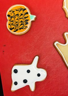 Pumpkin and ghost cookie with Adell Shneer on eatlivetravelwrite.com