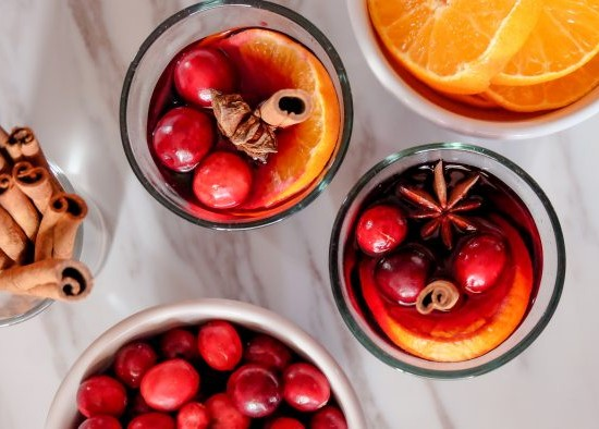 Mulled wine in the slow cooker on eatlivetravelwrite.com