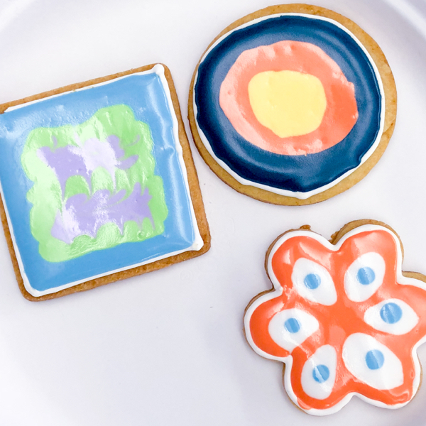 1 Kids decorating cookies with Adell Shneer on eatlivetravelwrite.com