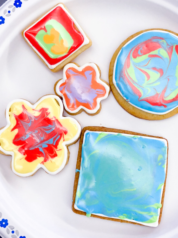 2 Kids decorating cookies with Adell Shneer on eatlivetravelwrite.com