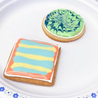 3 Kids decorating cookies with Adell Shneer on eatlivetravelwrite.com