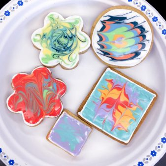 11 Kids decorating cookies with Adell Shneer on eatlivetravelwrite.com