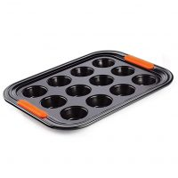 LE CREUSET 12 Cup Muffin Tray, 1 Each