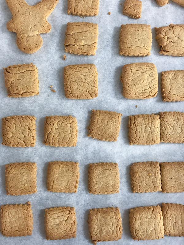Kids bake speculoos for the holidays on eatlivetravelwrite.com