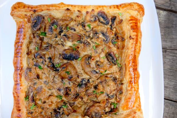 Creamy mushroom and thyme tart