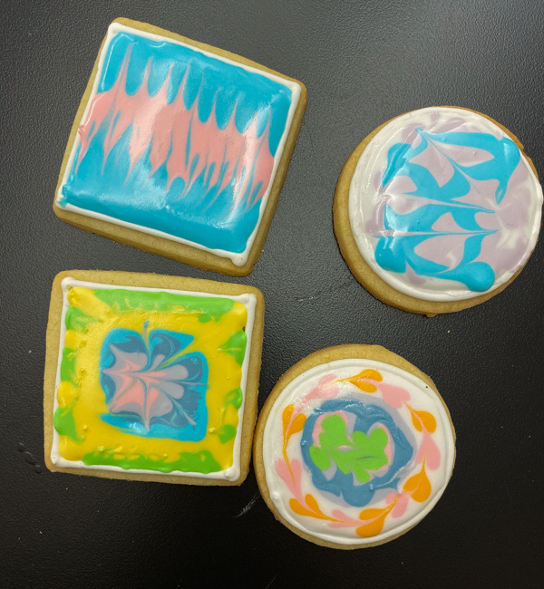 Final results of decorating sugar cookies with Adell Shneer on eatlivetravelwrite.com