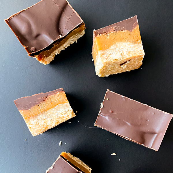Easy Chocolate Caramel Slice recipe on eatlivetravelwrite.com