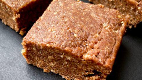 Recipe No bake chocolate energy bites on eatlivetravelwrite.com