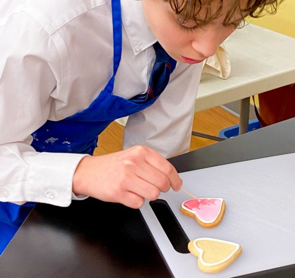 Such focus decorating sugar cookies with Adell Shneer on eatalivetravelwrite.com