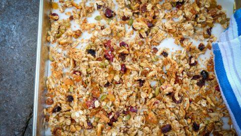 Crispy chewy baked granola