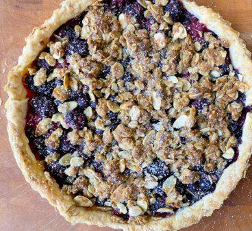 Large Mixed Berry Crumble Tart