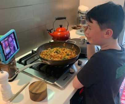 Following virtual instructions in cooking club