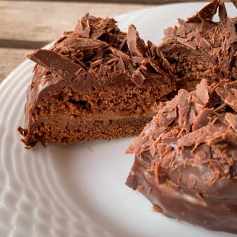 Slice of mini Carrement Chocolat Cake